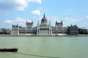 BUDAPEST Parlament 02